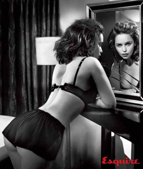 gallery-1444418832-emilia-clarke-sexiest-woman-alive-2015-003