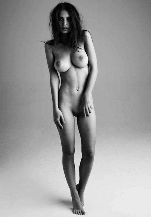 Emily-Ratajkowski-naked-1.jpg