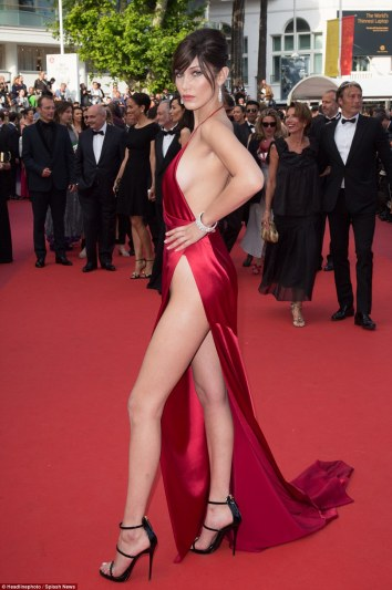 345DBE9900000578-3598361-Bella_Hadid_stole_the_show_last_night_when_she_took_to_the_red_c-a-10_1463647870524.jpg