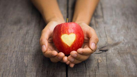 apple-heart_bg.jpg
