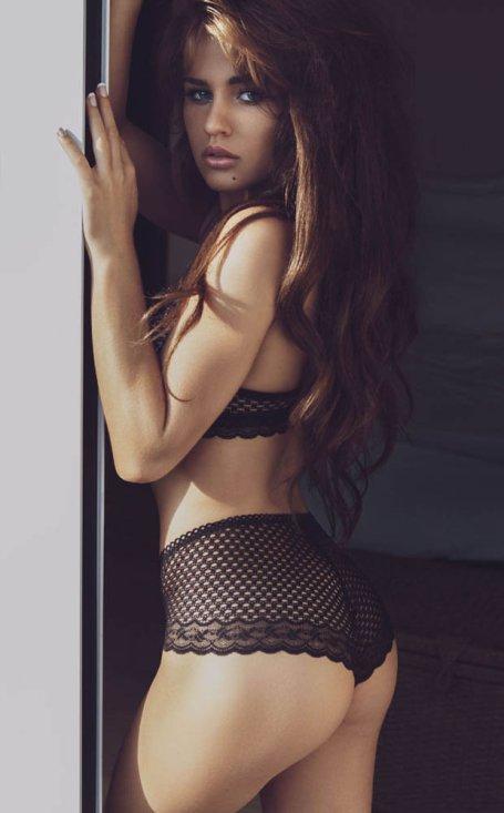 rosie-mac-model-underwear-268173.jpg