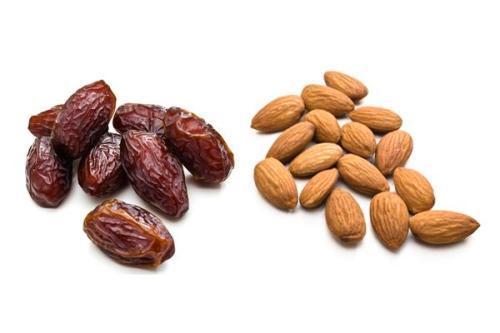 deskside-snacks-dates-and-almonds_0.jpg